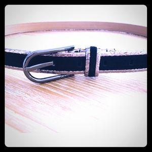 🚨NL🚨 Calvin Klein Suede & Snake Belt